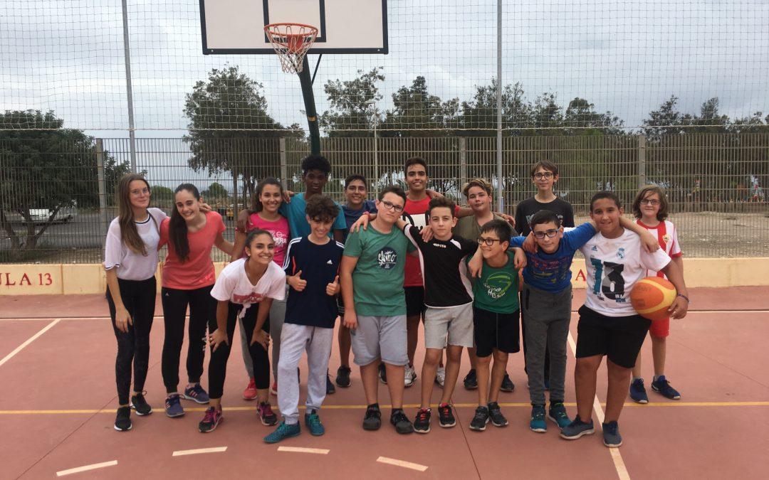 Campeonato de Fútbol Sala, Baloncesto y Voleibol para el día de la Hispanidad.