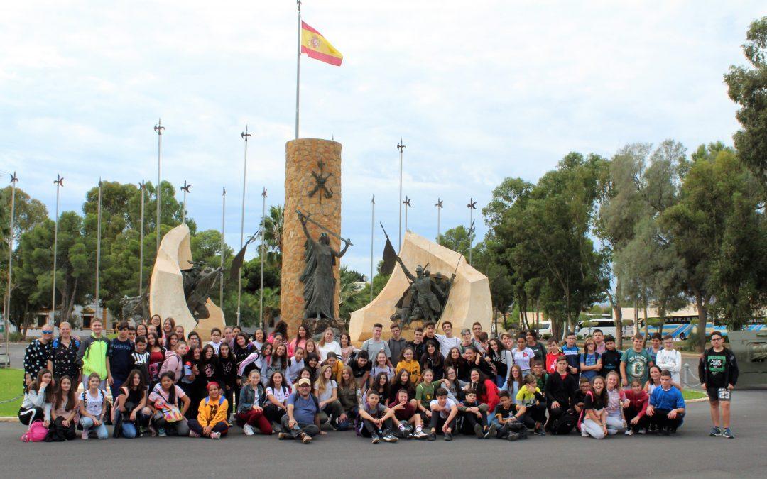 Los alumnos del IES El Alquián visitan la base militar Álvarez de Sotomayor