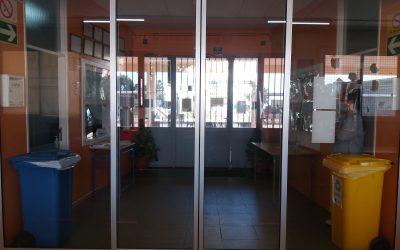Concurso serigrafía puertas entrada al instituto